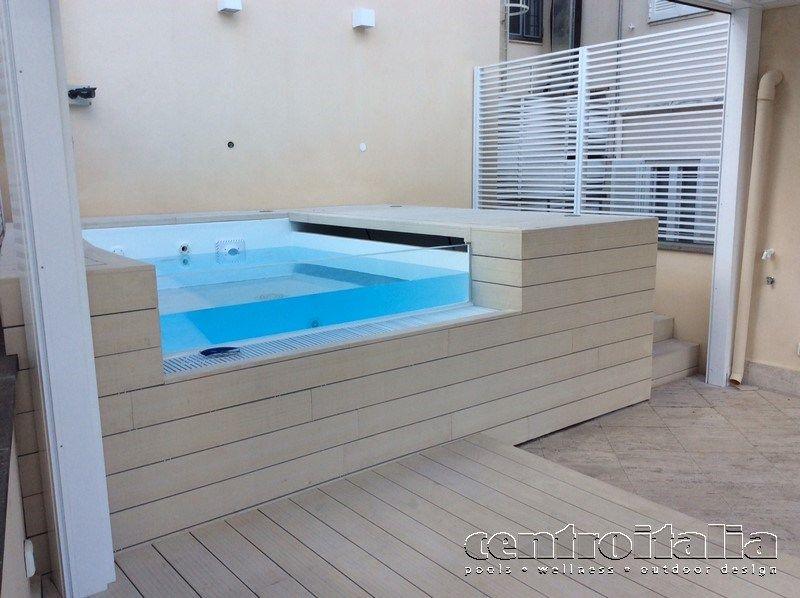 vasca idromassaggio trasparente