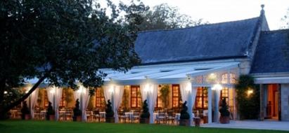 Esempio di pergole per ristoranti, bar e hotel