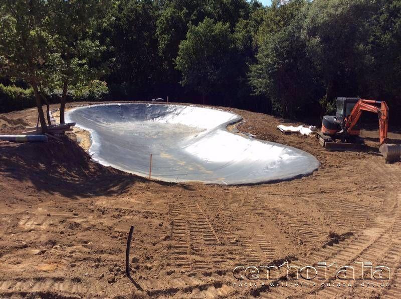 lavori costruzione laghetto
