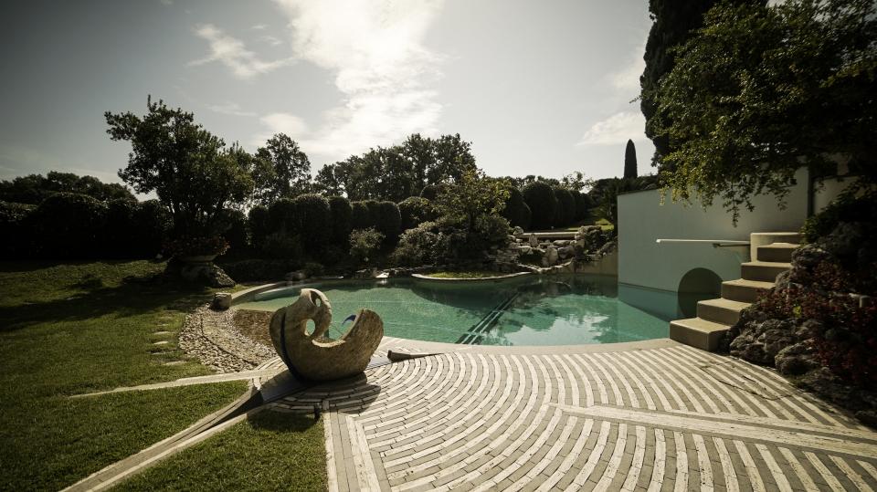 piscina doppia vasca con meridiana