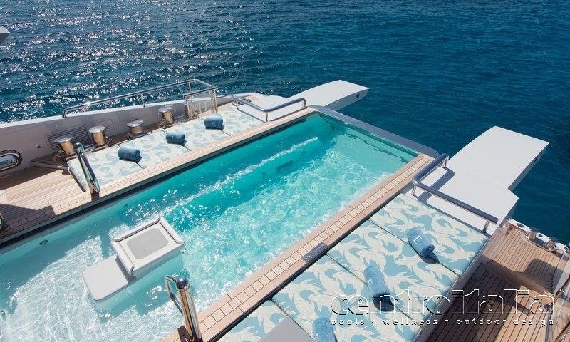 Piscina su yacht