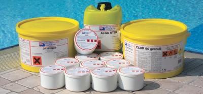Manutenzione piscine: prodotti chimici
