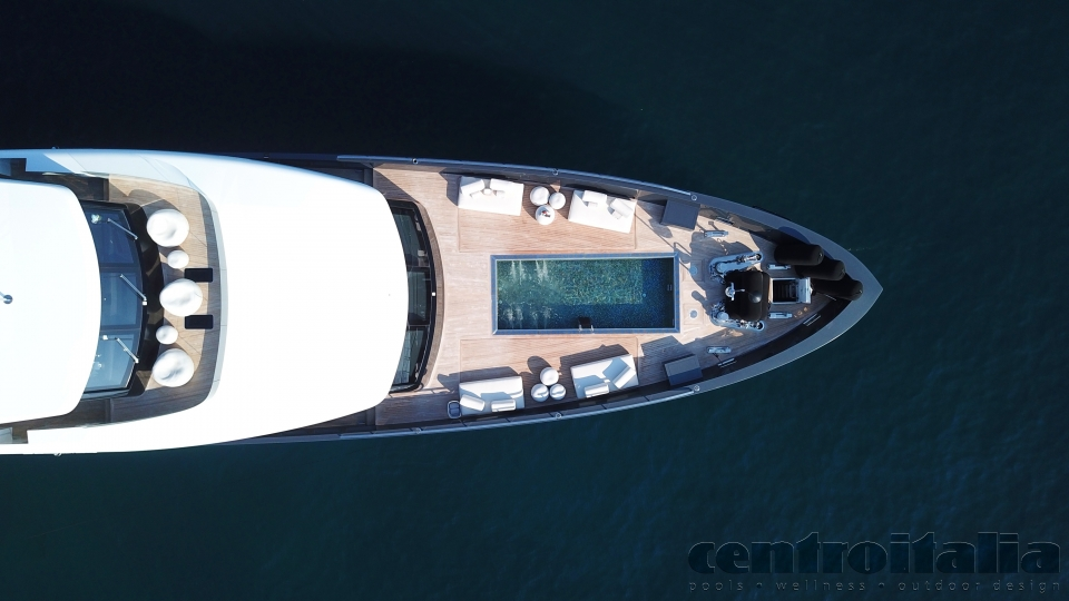 piscine su yacht refit